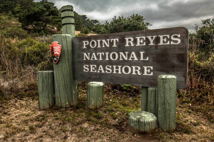 Point_Reyes_National_Seashore_Sign_Entrance_02.jpg